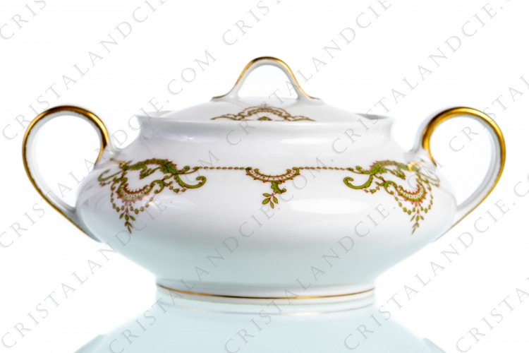 Sugar bowl with foliage by Théodore Haviland