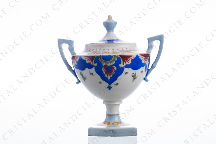 Sugar bowl in Limoges china by Tressemann and Vogt (Raynaud) with an important hand painted polychrome decor photo-1