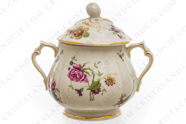 Sugar bowl in china of Limoges by Bernardaud shape Régence decorated with polychromes flowers