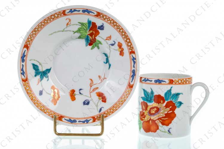 Coffee cup in Limoges china by Raynaud pattern Hokusai decorated with gold and polychrome flowers