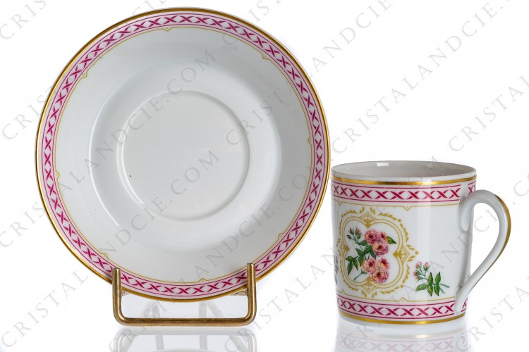 Coffee cup in Limoges china by Haviland collection Empress Josephine pattern Multiflora Carnea, decorated with polychromes japaneses roses and with pink and gold friezes and borders