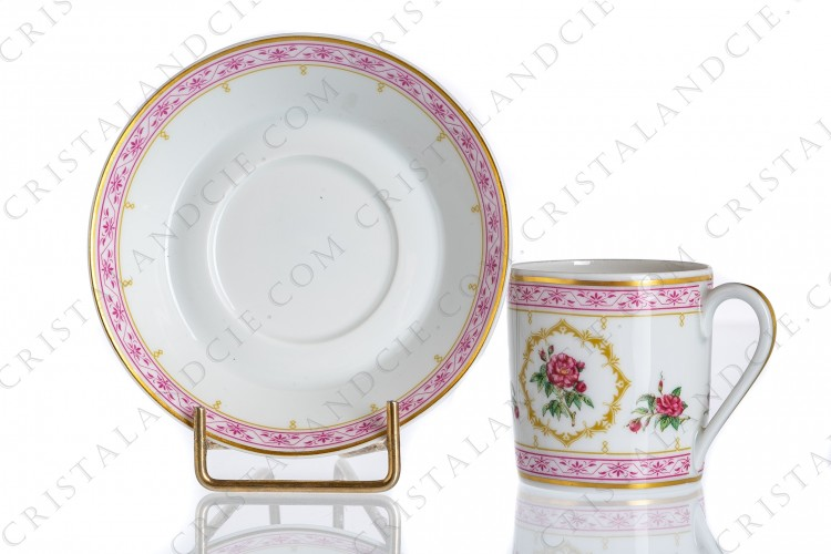 Coffee cup in Limoges china by Haviland collection Empress Josephine pattern Rosa Mundi, decorated with polychromes roses and with pink and gold friezes and borders