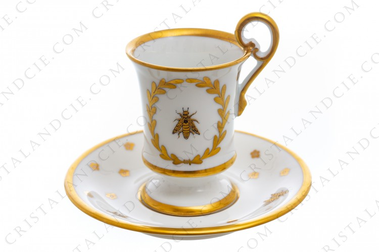 Chocolate cup in Limoges china with a gold hand painted pattern with attributes of Napoleon the 1st photo-1