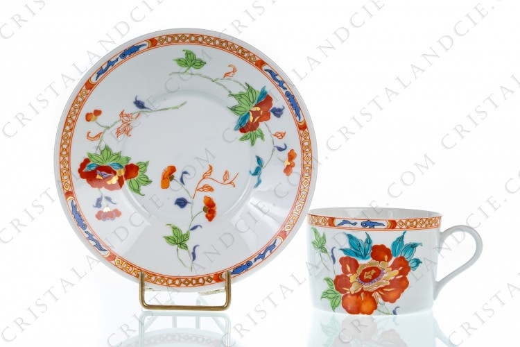 Tea cup in Limoges china by Raynaud pattern Hokusai decorated with gold and polychrome flowers