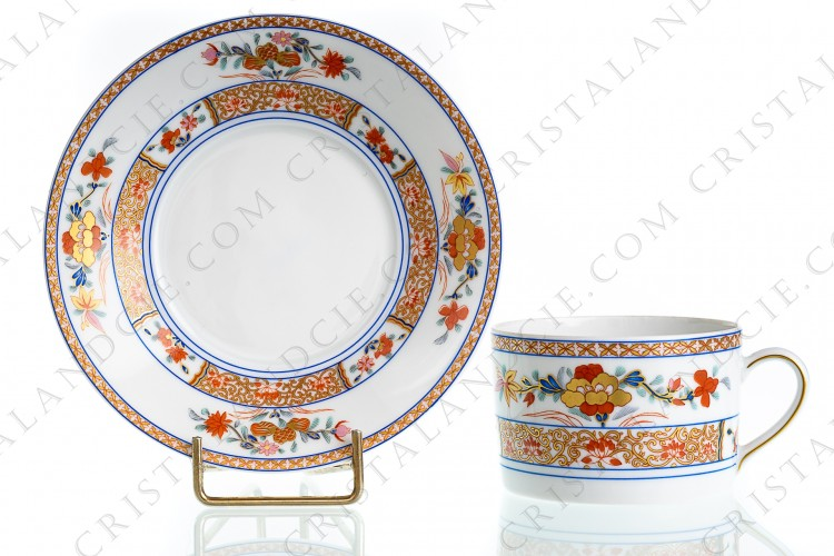 Tea cup in Limoges China by Bernardaud pattern Pondichery decorated with polychromes and gold flowers