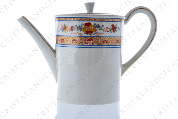 Tea pot in Limoges China by Bernardaud pattern Pondichéry decorated with polychromes and gold flowers