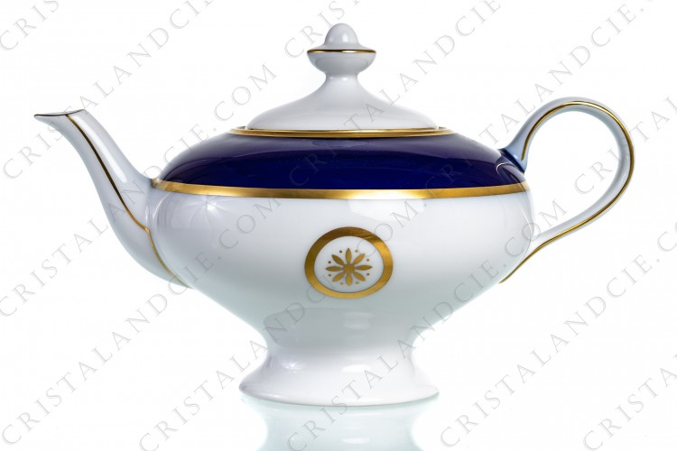 Tea pot in Limoges china by Bernardaud pattern Sparte cobalt blue decorated with a cobalt blue stripe and gold borders and flowers