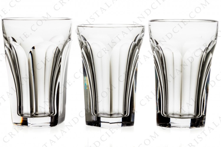 Set of three tumblers in crystal by Baccarat pattern Harcourt with flatcuts