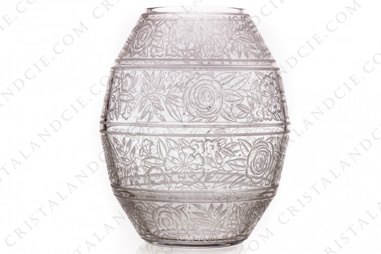 Vase Art Deco in crystal by Baccarat decorated with engraved with the acid roses and other flowers photo-1