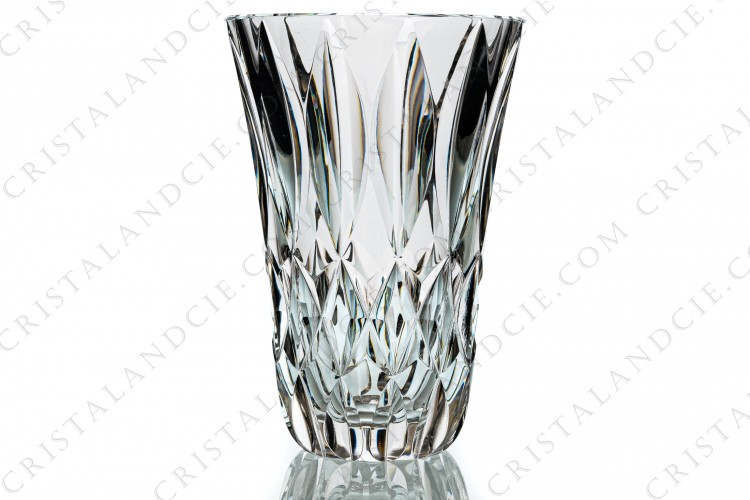 Vase in crystal by Saint-Louis decorated with cut bevels