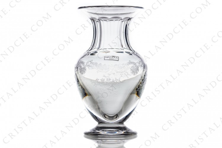 Vase in crystal by Saint-Louis pattern Cleo with an engraved pattern of arabesques and foliage,  Rares tiny scratches photo-1