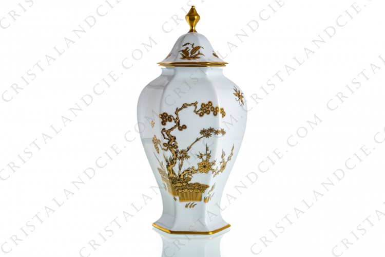 Covered vase in Limoges china with a gold Japanese pattern