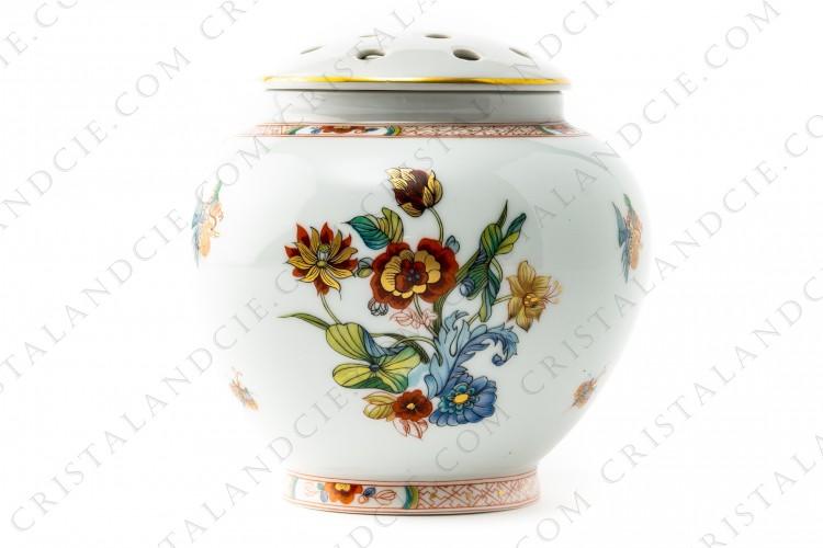 Vase in Limoges china by Haviland pattern Cathay decorated with polychromes flowers photo-1