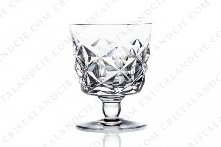 Watergoblet n°2 in crystal by Baccarat pattern Muret with an important cut pattern