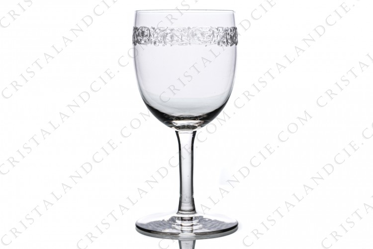 Water glass n°2 in crystal by Saint-Louis pattern Roty engraving to the pantograph number 40, with a frieze of flowers