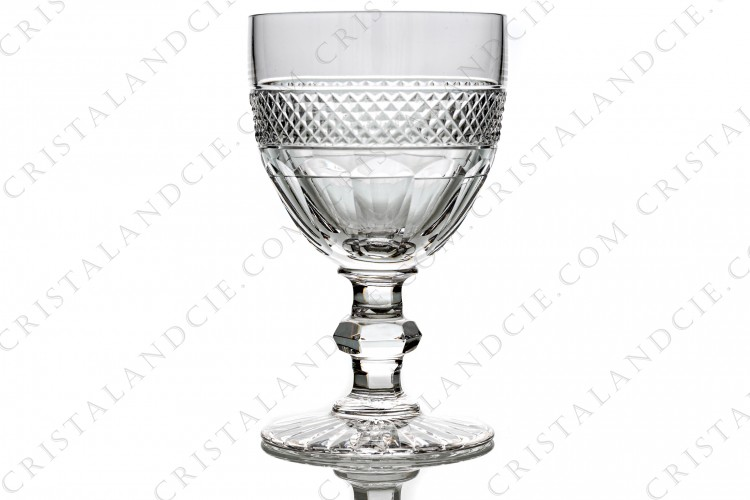 Water glass n°2 in crystal by Saint-Louis pattern Trianon with the gob is decorated with a Diamond tips frieze, stem with a ring