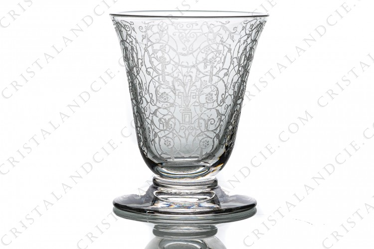 Cordial glass in crystal by Baccarat pattern Michelangelo with an important engraved pattern