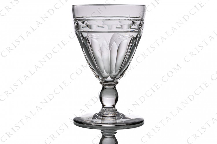 Sherry glass n°5 in crystal by Baccarat pattern Campsegret decorated with flat cuts and a frieze