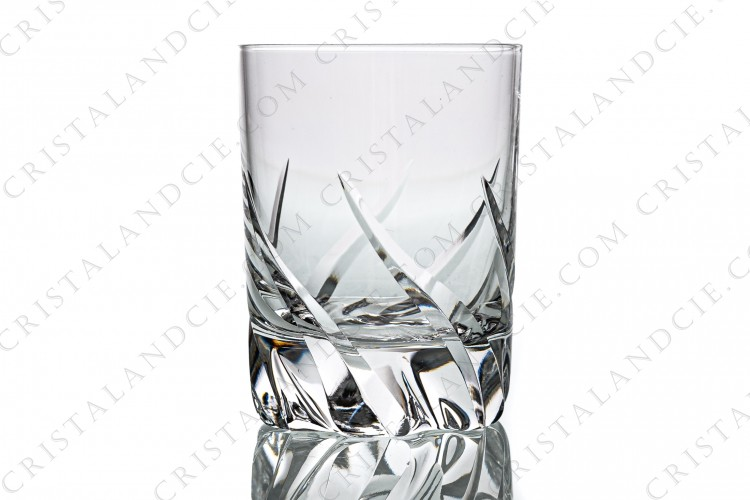 Wine glass n°4 in crystal by Daum pattern Bleneau with a cut pattern
