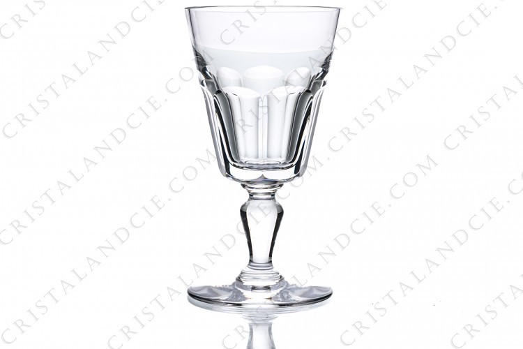 Wine glass n°4 in crystal by Baccarat pattern Missouri, decorated with flat cuts