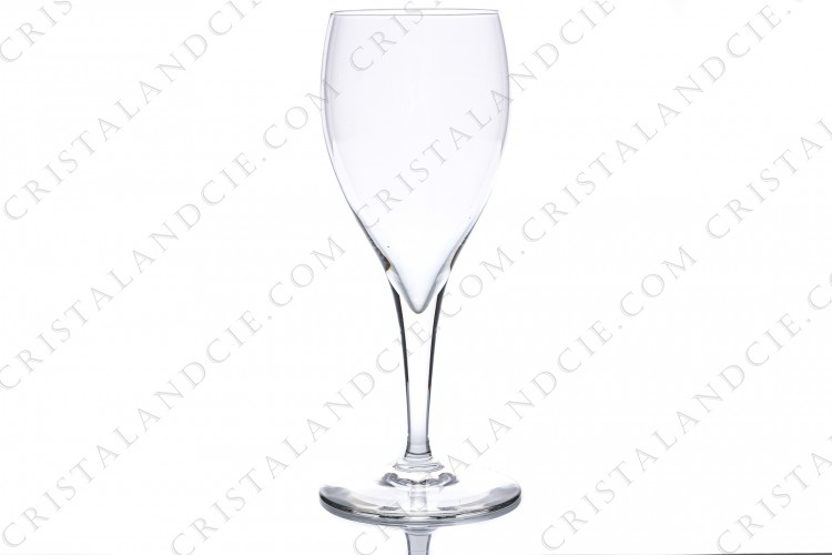 Wine glass in crystal by Baccarat pattern Saint-Remy