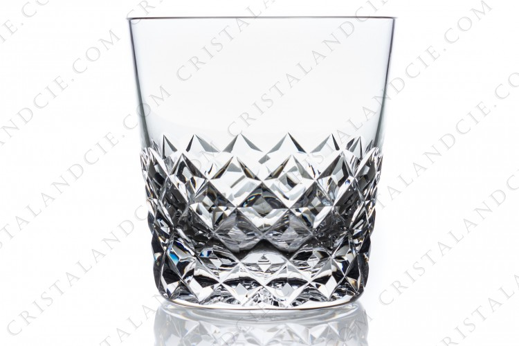 Whisky glass large (tumbler n°1) in crystal by Baccarat pattern Burgos with an important cut pattern