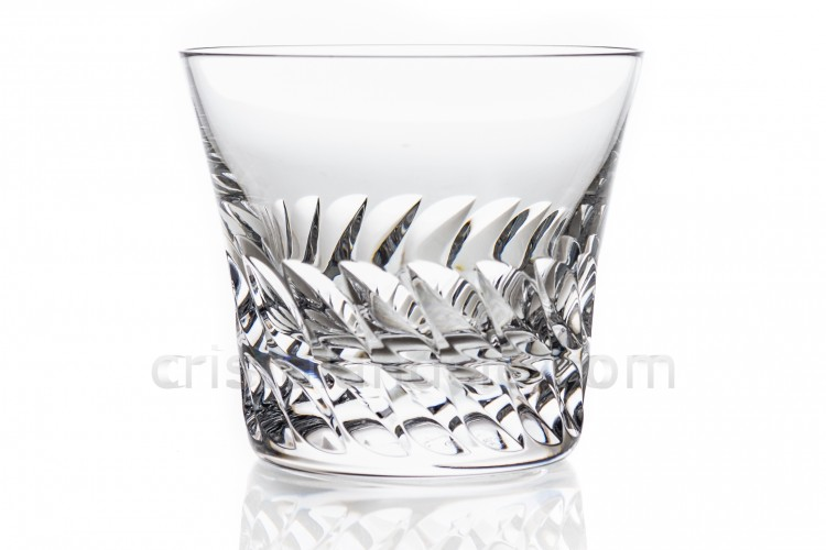 Whisky glass in crystal by Baccarat pattern gloria decorated with cut bevels
