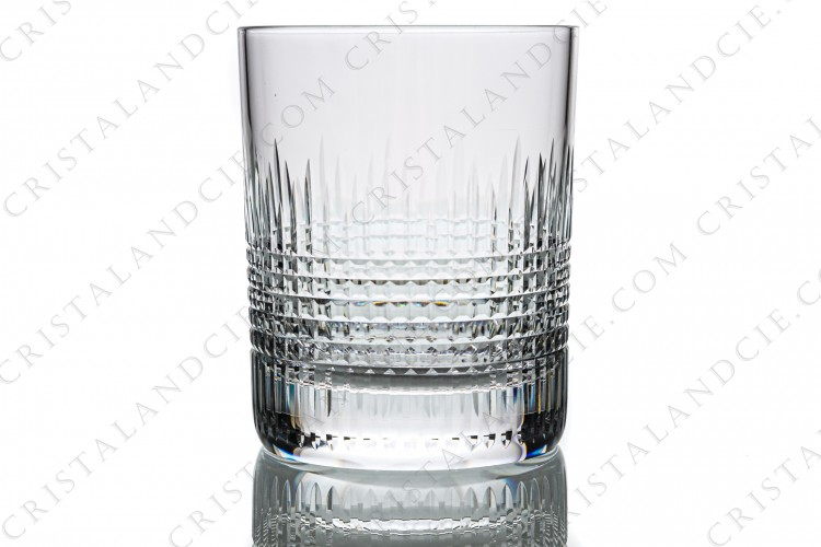 Whisky glass n°1 in crystal by Baccarat pattern Nancy with an important cut pattern of grid