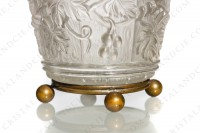 Box in molded, satin and polished crystal by Baccarat decorated with grapevine on a background seems like a barrel photo-7