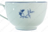 Breakfast cup in Limoges china by Haviland et Parlon pattern Shangaï bleu orient, decorated with flowers in shades of blue on a Celadon paste photo-5