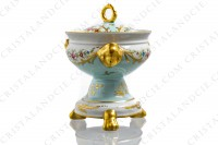 Covered bowl in china of Limoges with a hand painted pattern of polychromes and gold flowers photo-3