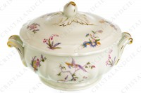 Soup tureen in china of Limoges by Bernardaud pattern Chantilly with a Japanese polychrome pattern of flowers and birds of paradise photo-2
