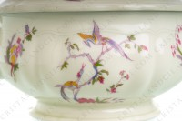 Soup tureen in china of Limoges by Bernardaud pattern Chantilly with a Japanese polychrome pattern of flowers and birds of paradise photo-6