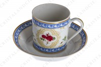 Coffee cup in Limoges china by Haviland collection Empress Josephine pattern L Evêque, decorated with polychromes Austrians roses and with blue and gold friezes and borders photo-3