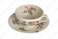 Tea cup in china of Limoges by Theodore Haviland decorated with a Japanese pattern of polychrome flowers photo-3