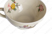 Tea cup in china of Limoges by Theodore Haviland decorated with a Japanese pattern of polychrome flowers photo-4