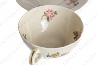 Tea cup in china of Limoges by Theodore Haviland decorated with a Japanese pattern of polychrome flowers photo-5