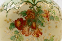 Vase in Limoges china by the Société limousine de porcelaine, hand painted by Faury, decorated with red flowers gold enhanced on a beige and green background photo-6